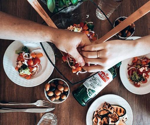 Gewinnen Sie mit Bertolli Olivenöl ein hochwertiges Kochset Teaser Bild